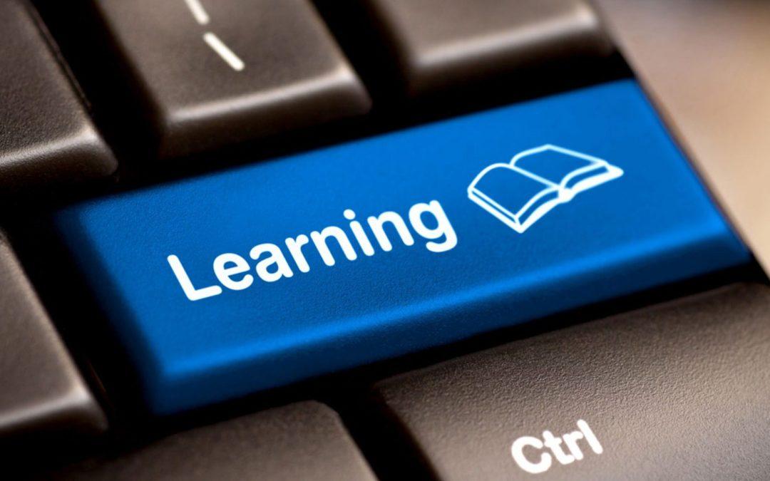 Addio banco di scuola: da oggi studio on line.